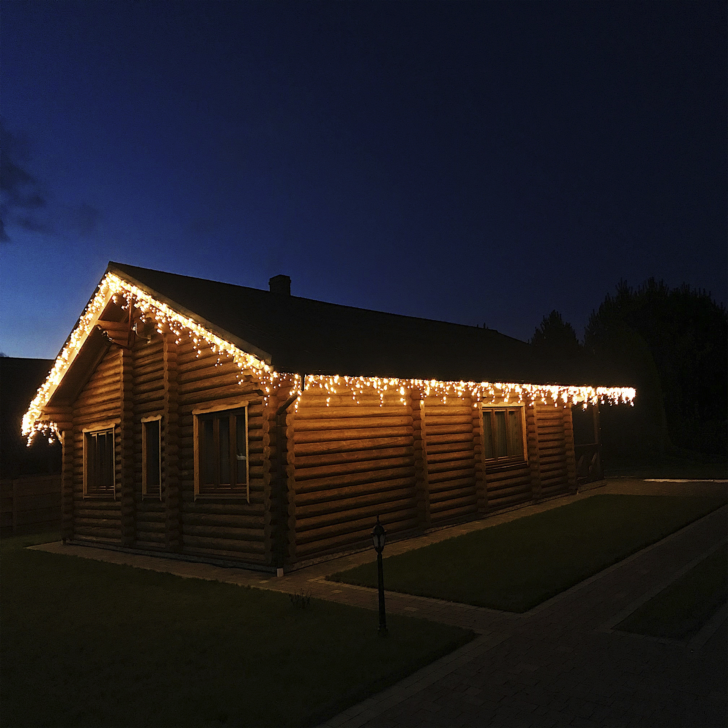 новорічна підсвітка будинку
