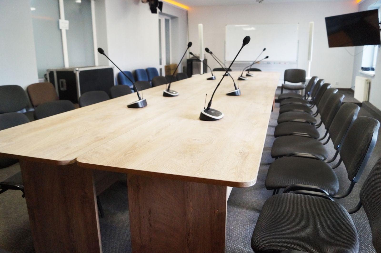 обладнання конференц-залу