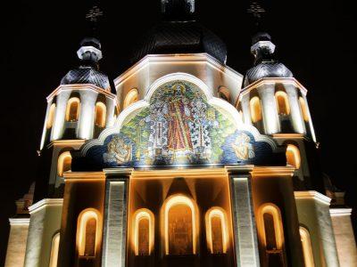 підсвітка церкви